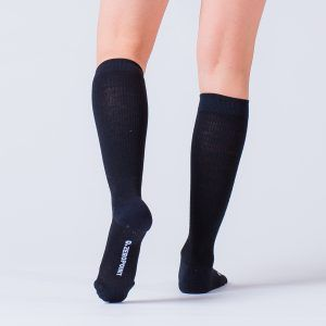 compression-sock-black-merino-2