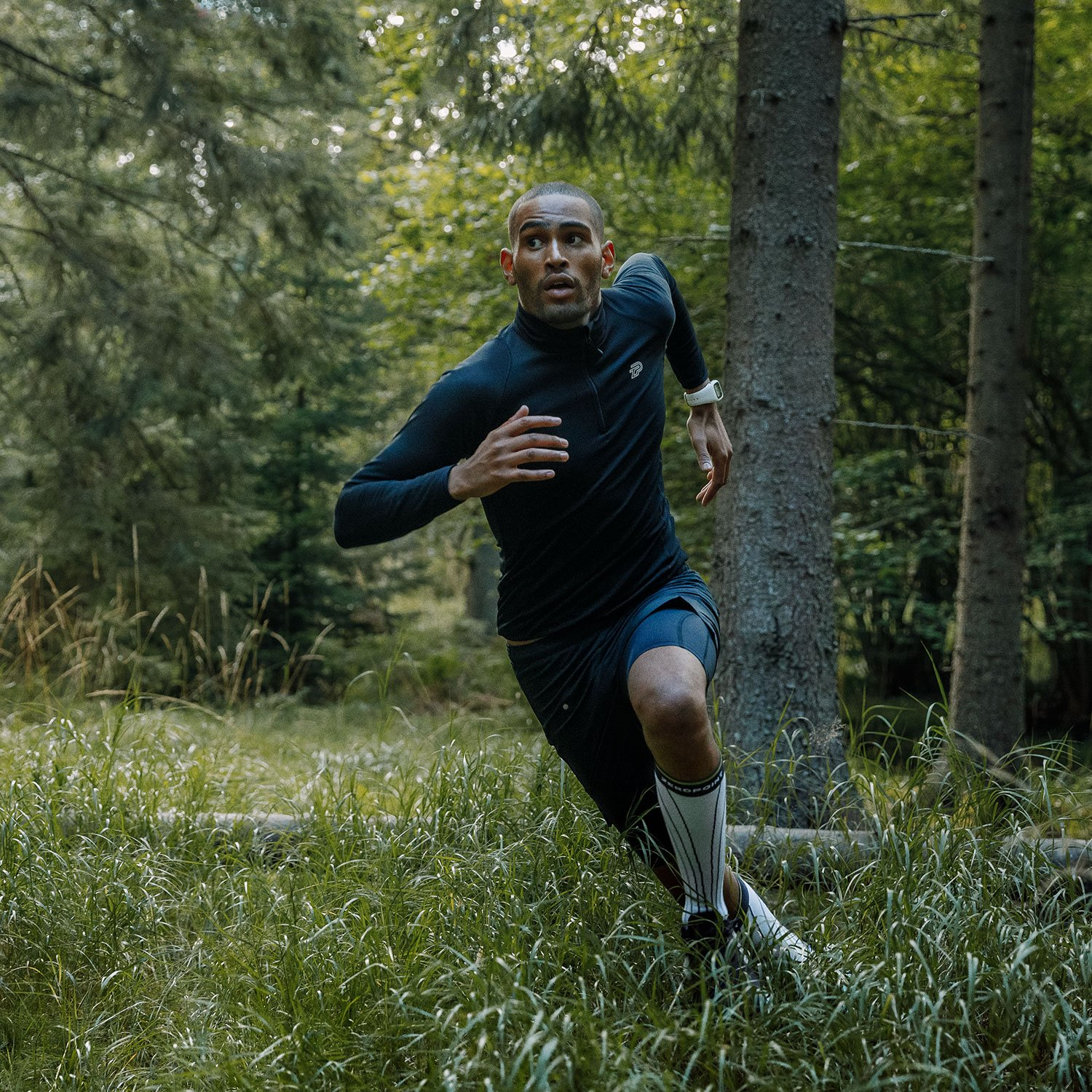 is the role of compression wear in preventing injury during training